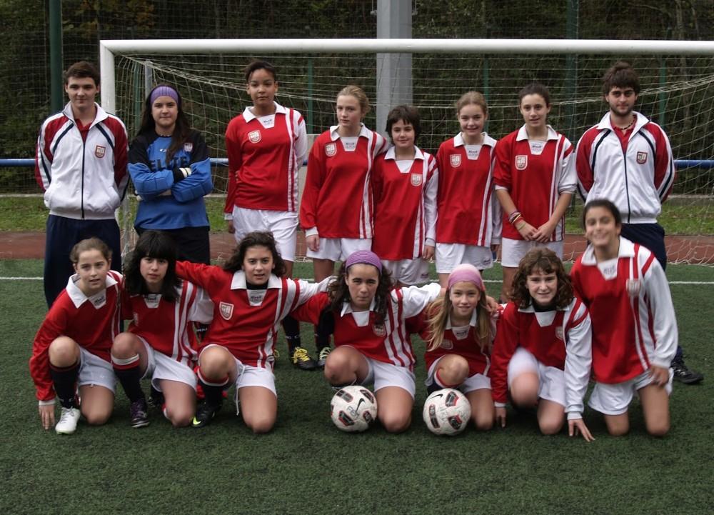Foto de la plantilla del Infantil B del Club Deportivo Urki